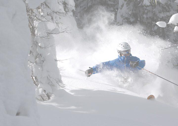 Why ski instructors need heated gloves